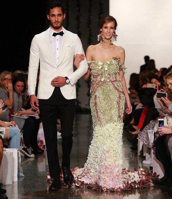 新西兰时装周惊现创意鲜花婚纱